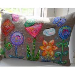 """Необычная подушка ручной работы """"Цветы на планете Ингула"""" (ГИ-0003-п)"""